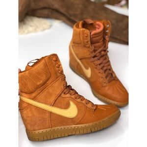 Nike | Dunk Sky High Sneakerboot 2.0 sz 7